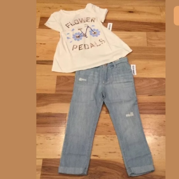 Old Navy Other - Old Navy 4T Flower Shirt & Girlfriend Jeans